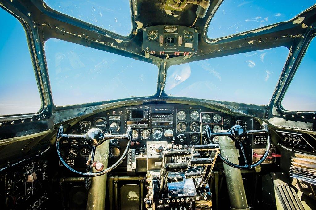 b-17-b-24-0415-079.jpg